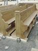 Nové lavice s namontovanou podlahou a topením