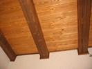 Kartáčovaný obklad stropu