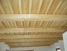 Smrkový stropní obklad mořený voskovaný